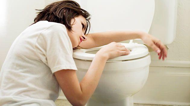 Больного мучают приступы тошноты