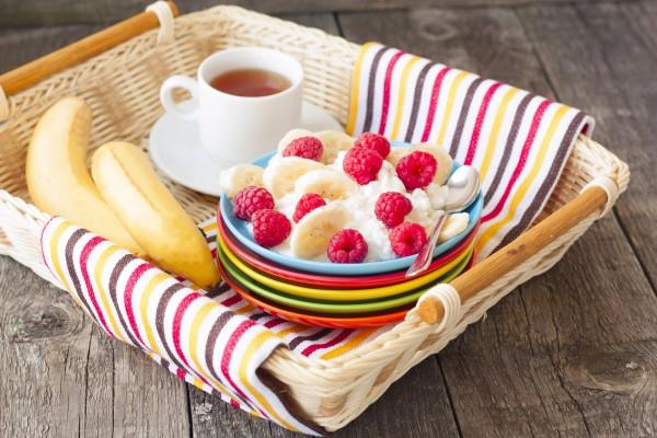 Творог с фруктами насытит витаминами и полезными веществами