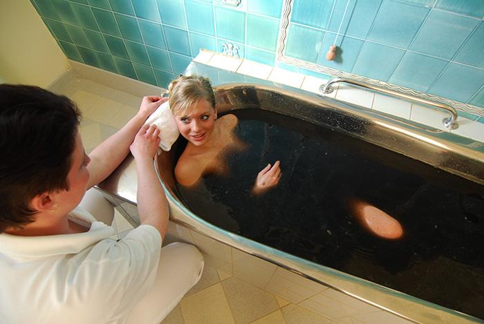 Ванны грязевые при болезни