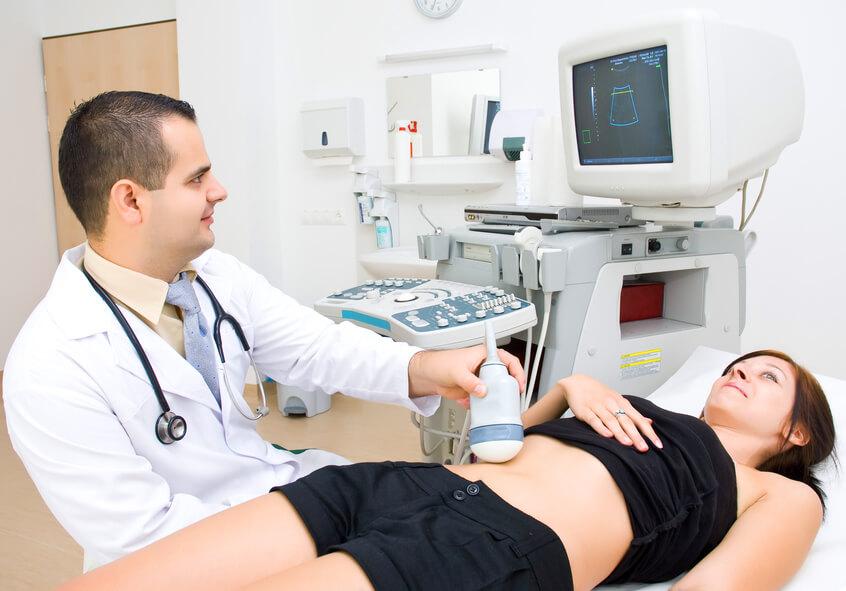 Для уточнения диагноза пациента отправляют на УЗИ