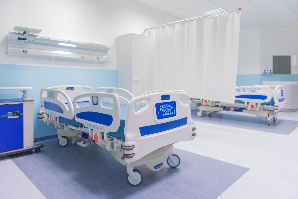 В больнице палата