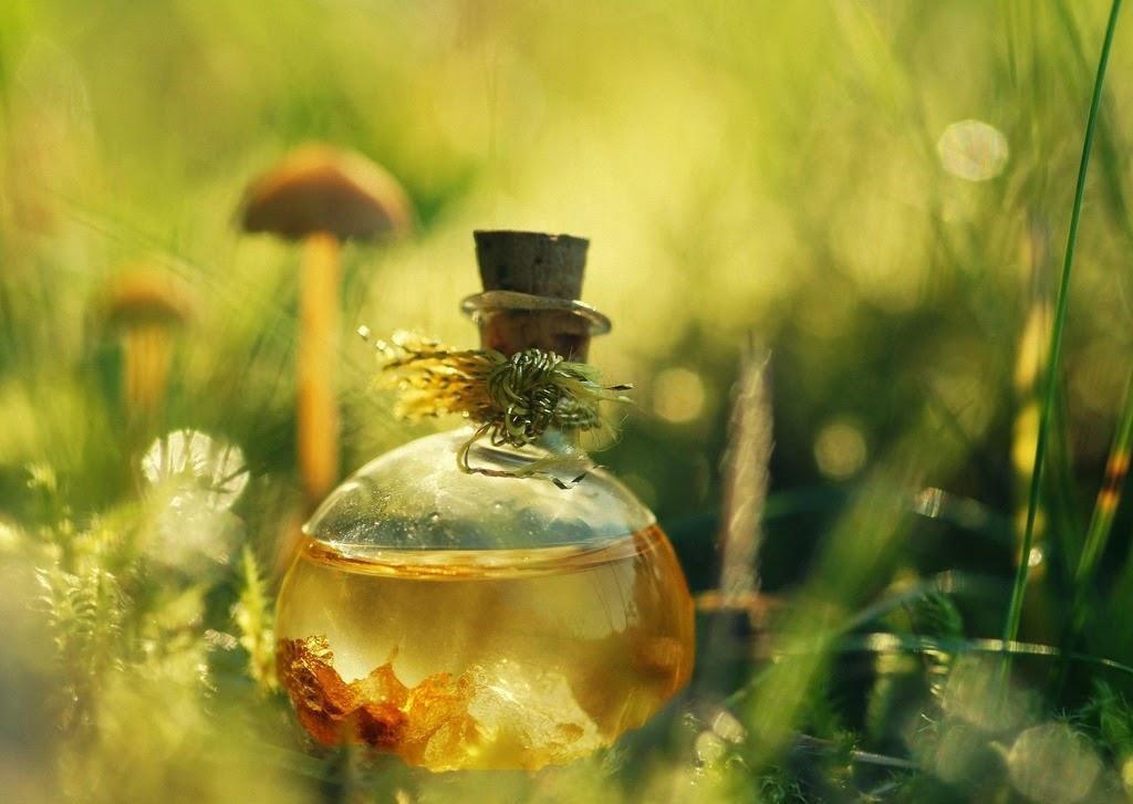 Касторовое масло активно используют в косметологии и народной медицине