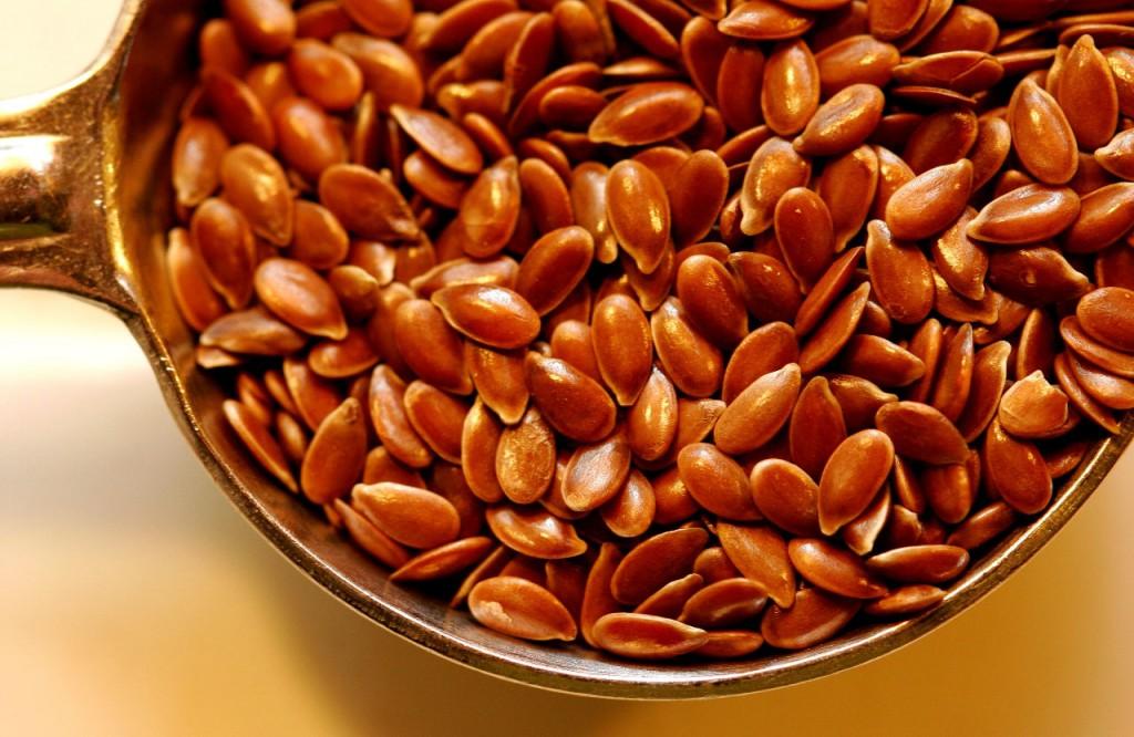 Больному полезно в меню добавить отвар из семян льня