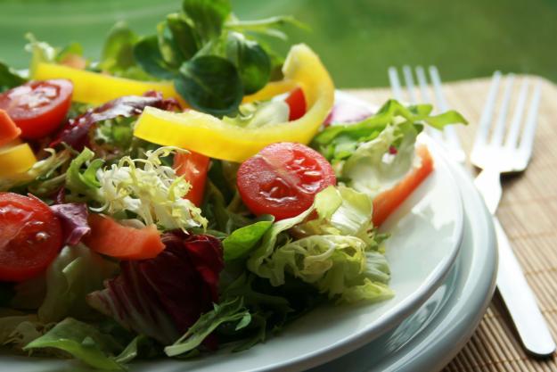 Больной должен включать в свой рацион овощные салаты