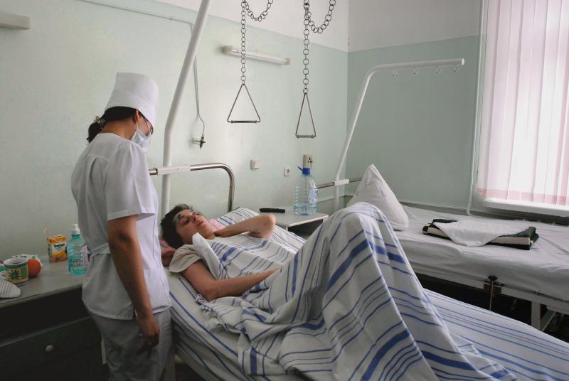 Пациента с таким диагнозом следует лечить в стационарных условиях