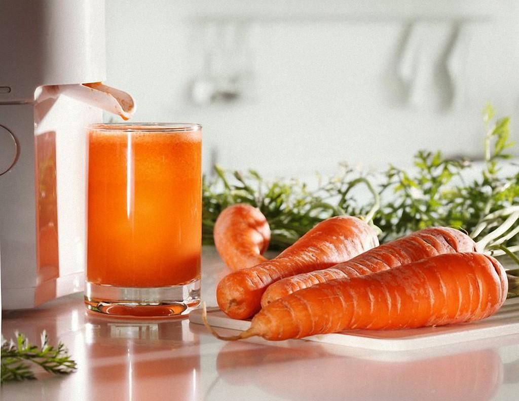 Морковный сок полезен на витамины
