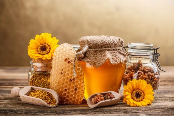 Мед активно используют в народной медицине