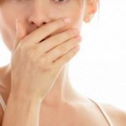 Больной чувствует дискомфорт во время еды
