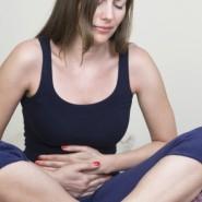 При попадании желчи в желудок чувствуется сильное жжение и боль