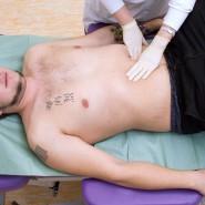 При подозрении на кровотечение в желудке следует срочно обратиться за медицинской помощью