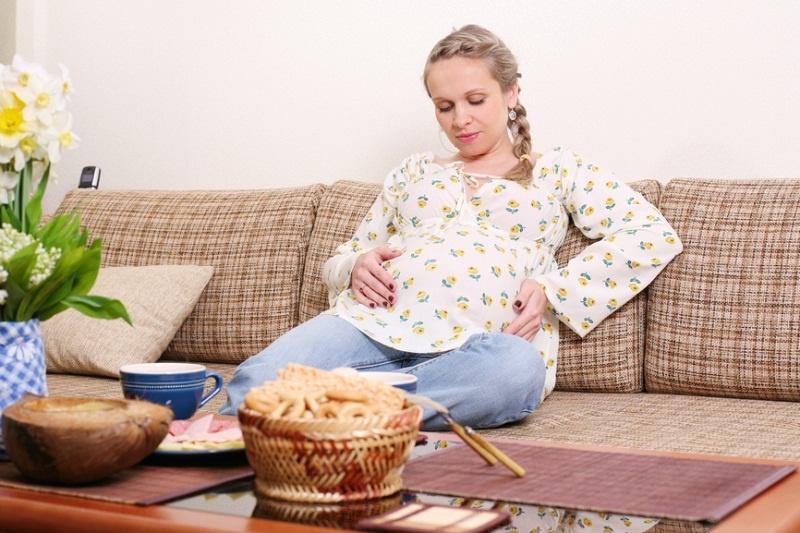 Нередко беременные жалуются на боль в желудке
