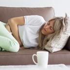 Больной чувствует сильный упадок сил и боль