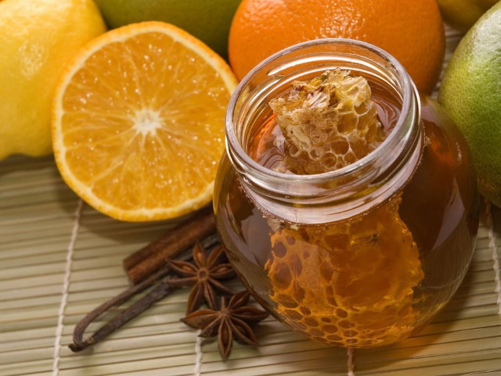 Для лечения гастрита используют мед